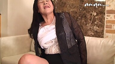Japanese granny (uncensored)