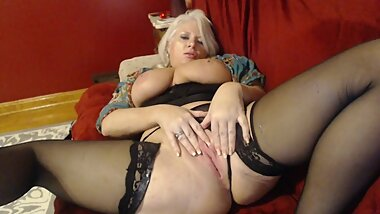 Curvy MILF Rosie's Cuckold Chastity Release and JOI Cum Countdown