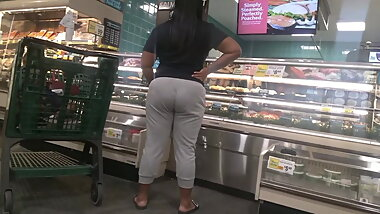 Pregnant Booty black girl in sweats